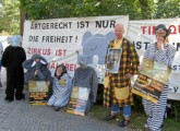 "Demonstration vor ""Circus Krone"""