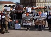 Petitionsübergabe und Gegendemo zu Jägeraufmarsch